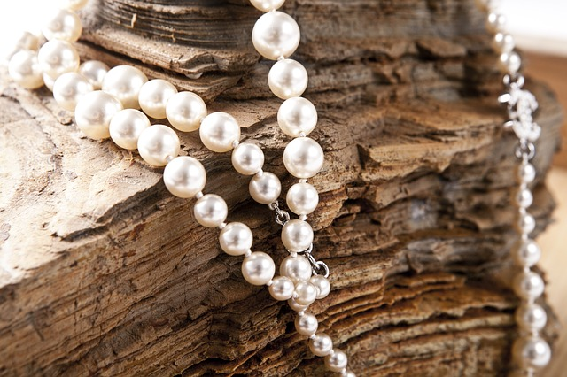jewelry pearls