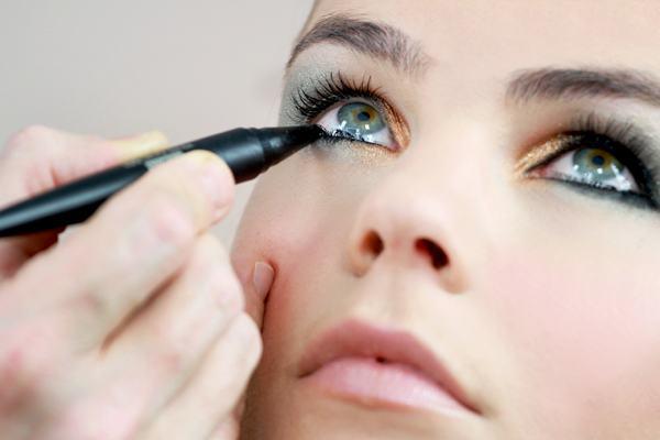 under-eye gel beauty